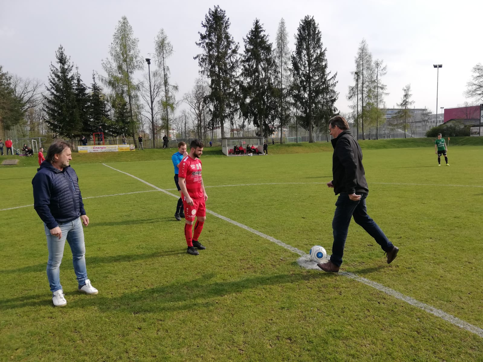 Ehrenanstoss Pillgrab Hans ASK vs Grieskirchen 13 04 2019 (4)